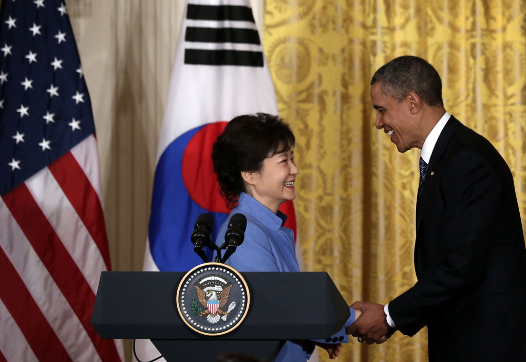 U.S. President Barack Obama (R) shakes hands with South Korean President Park Geun-hye (L) during a news conference at the East Room of the White House May 7, 2013 in Washington, DC. President Park, South Korea's first female president, is on a visit in Washington and will address Congress tomorrow.