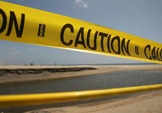 A 1,500-gallon sewage spill has forced health officials to close San Diego County beaches near the San Elijo Lagoon.