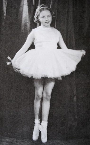 Dancer Margaret Hills, in her youth.