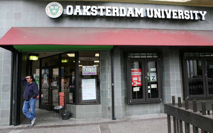 Federal agents raided Oaksterdam University, a medical marijuana dispensary and training facility.