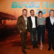 "(L-R) Ryan Gosling, Denis Villeneuve, Ana De Armas and Harrison Ford pose during a photocall for the film ""Blade Runner 2049"" in Paris on September 20, 2017."