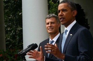 U.S. President Barack Obama (R) introduces Alan B. Krueger in the Rose Garden of the White House August 29, 2011 in Washington, DC. When confirmed, Krueger will be the new Chairman of the president's Council of Economic Advisors.