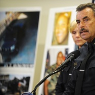 US-CRIME-MANHUNT-COP KILLER-PRESSER