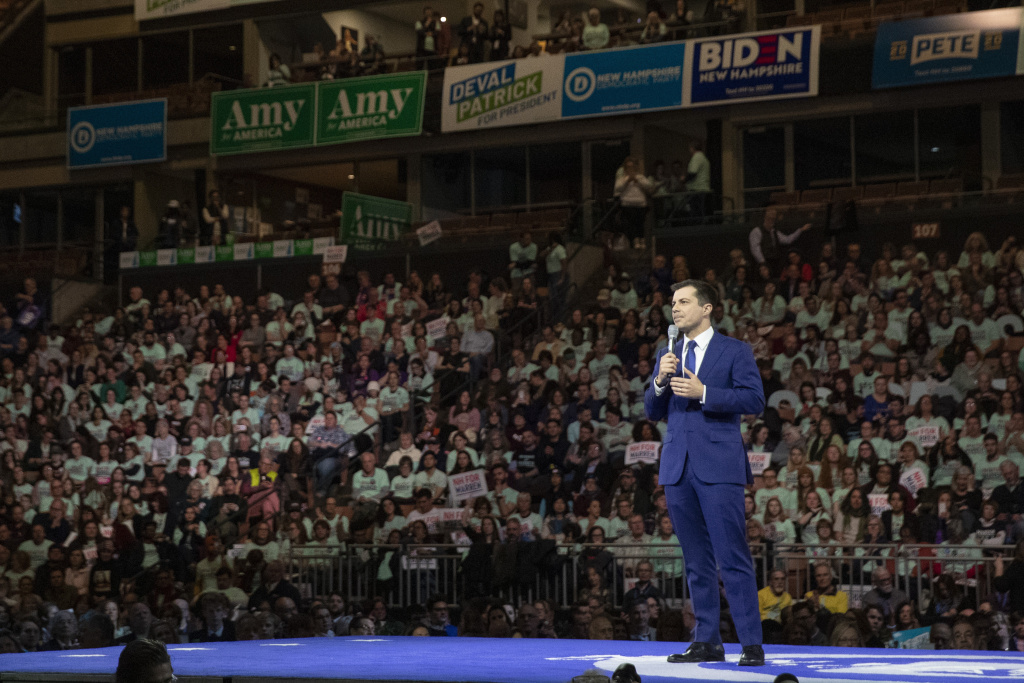Democratic presidential candidate former South Bend, Ind. Mayor Pete Buttigieg speaks during a Democratic fundraising dinner on Saturday. Buttigieg is coming under attack from rival candidates for his relative lack of experience.