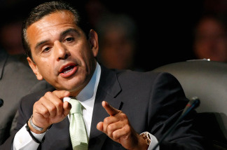 Mayor Villaraigosa and the DWP need some green to go green.
