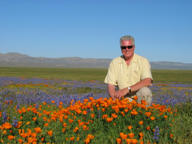 Huell Howser amidst the poppies, California's Gold.