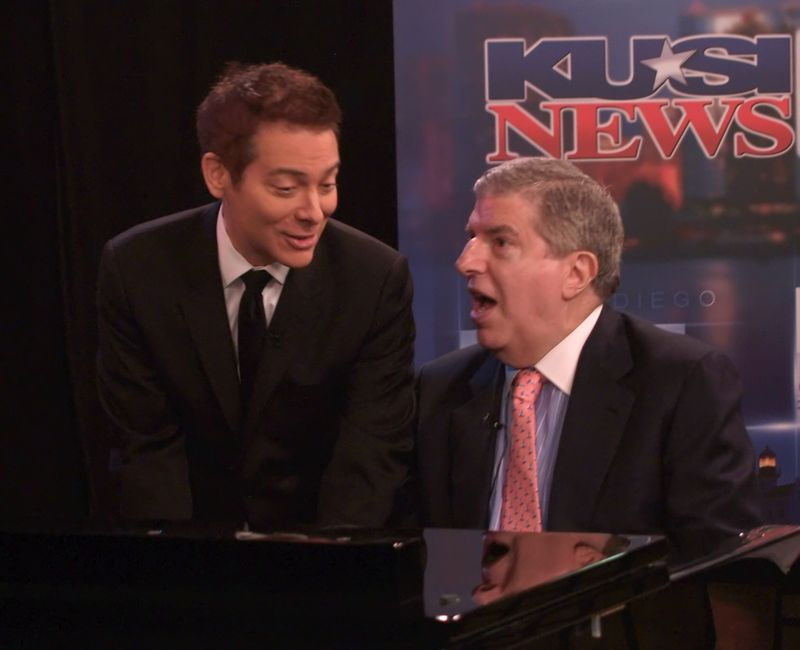 Michael Feinstein (L) and Marvin Hamlisch (R) performing together on a San Diego TV program. The Pasadena Symphony and Pops has named Feinstein as its new conductor, after Hamlisch passed away last Tuesday.
