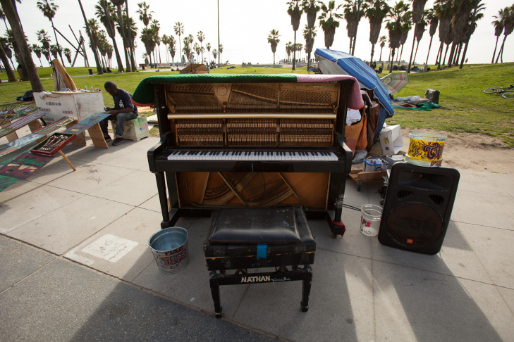 Venice Boardwalk Piano Player - 5