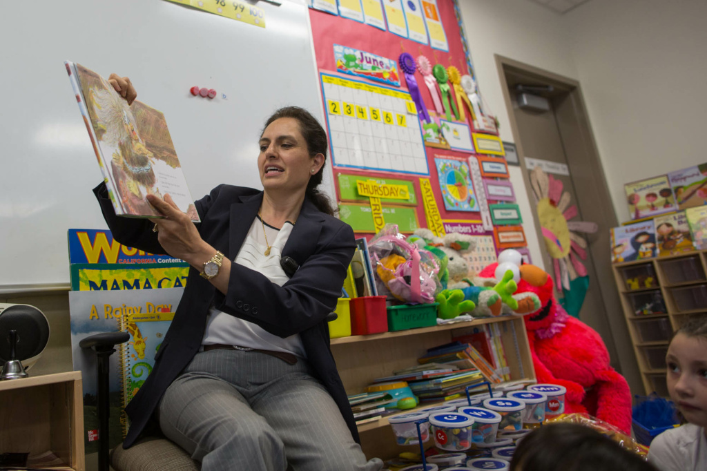 FILE: Instructor Veronica Azizi reads to her class at Stanley Mosk Elementary School in Winnetka.