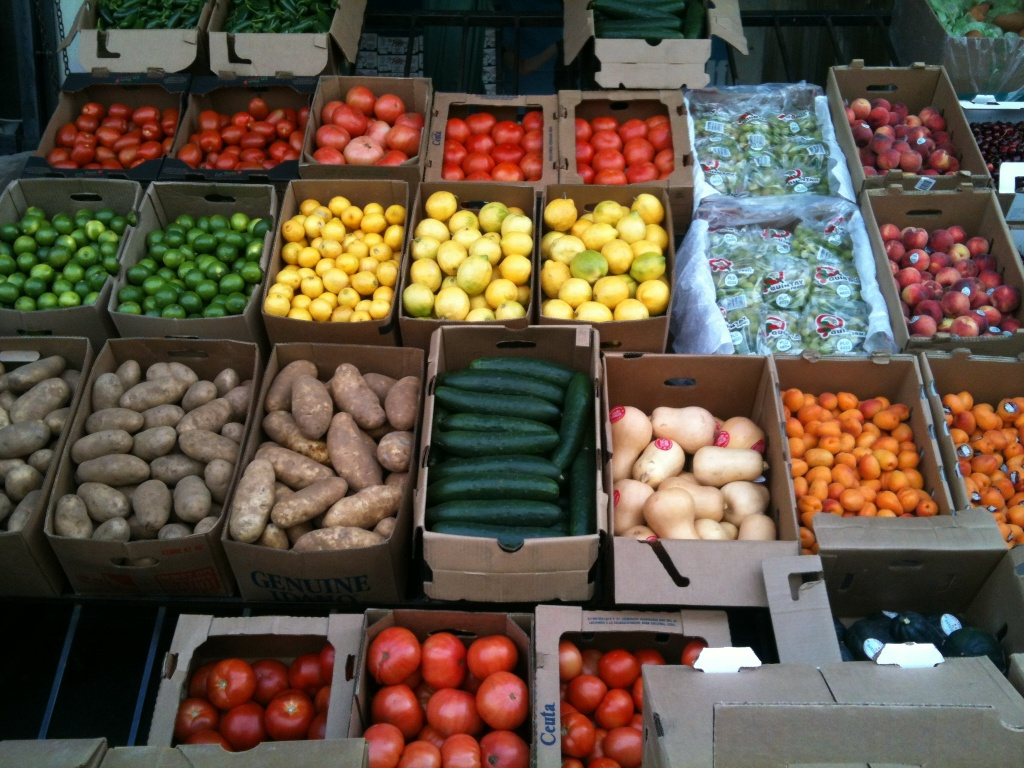 13cd91dbe1f Fruits, veggies, and black market soda at the Los Angeles Wholesale Produce  Market   89.3 KPCC