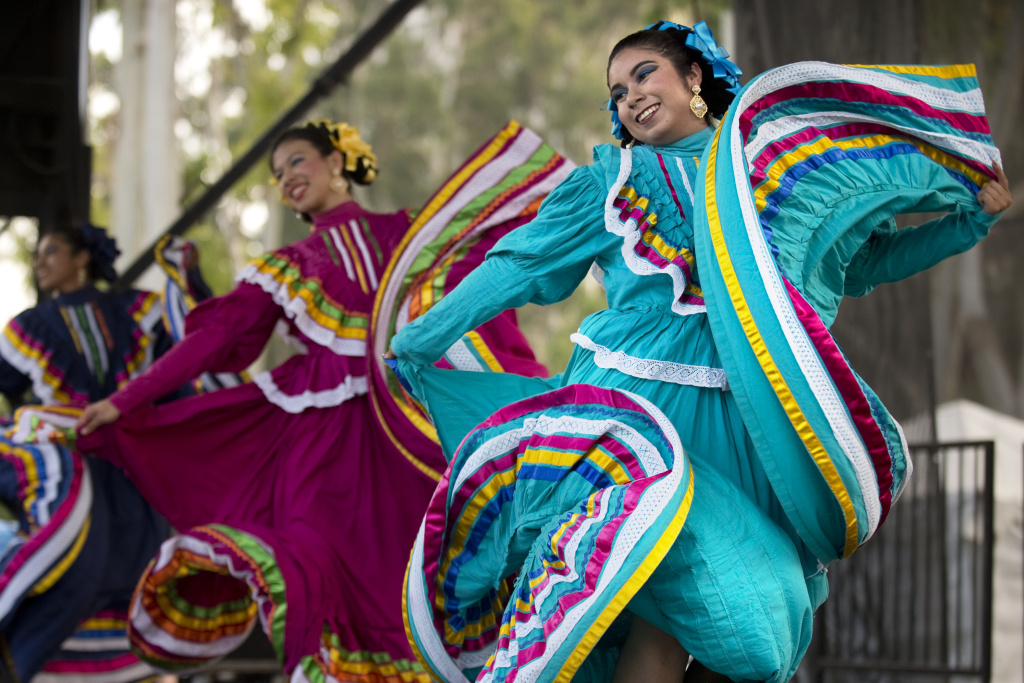 File: Folklorico dancers perform.