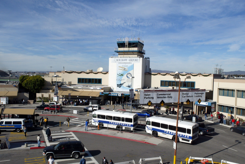 BURBANK, CA - DECEMBER 17:   The Bob Hope Airport formerly The  Burbank-Glendale-Pasadena Airport on December 17 2003, Burbank, California. (Photo by Frazer Harrison/Getty Images)  *** Local Caption *** Bob Hope Airport