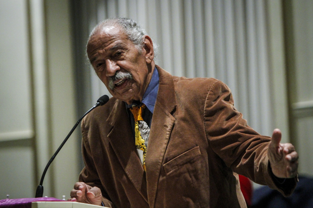U.S. Rep. John Conyers speaks at a town hall meeting for Congressman Keith Ellison at the Church of the New Covenant-Baptist on December 22, 2016 in Detroit, Michigan.