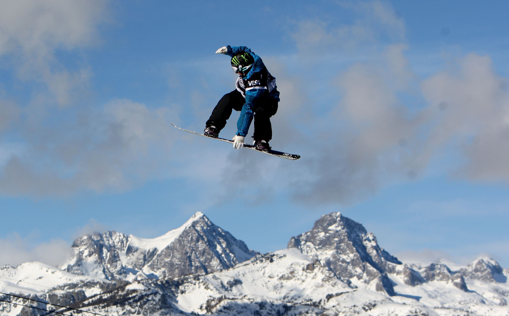 MAMMOTH, CA - JANUARY 10:  Nicholas Sibayan competes during the finals of the slopestyle portion  of the 2010 U.S. Snowboarding Grand Prix on January 10, 2010 at Mammoth Mountain ski resort in Mammoth Lakes, California.  (Photo by Jed Jacobsohn/Getty Images) *** Local Caption *** Nicholas Sibayan