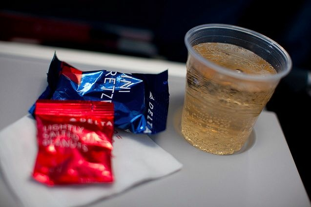 delta food drink tray table napkin