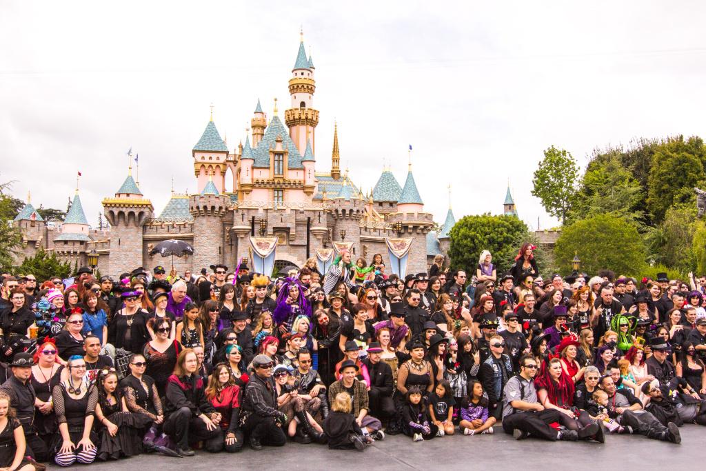 2013: Disneyland | Bat's Day at the Park