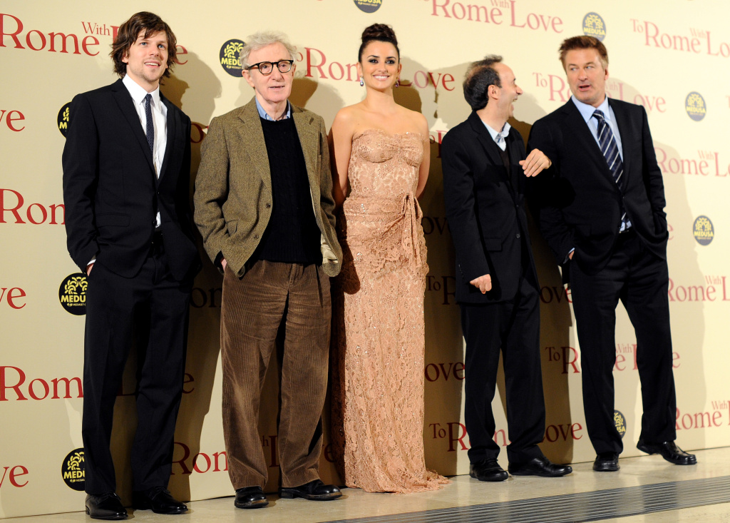 (From L) Jesse Eisenberg, Woody Allen, Penelope Cruz, Roberto Benigni and Alec Baldwin pose as they arrive at the premiere of