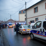 Police Surround Toulouse Shooting Suspect