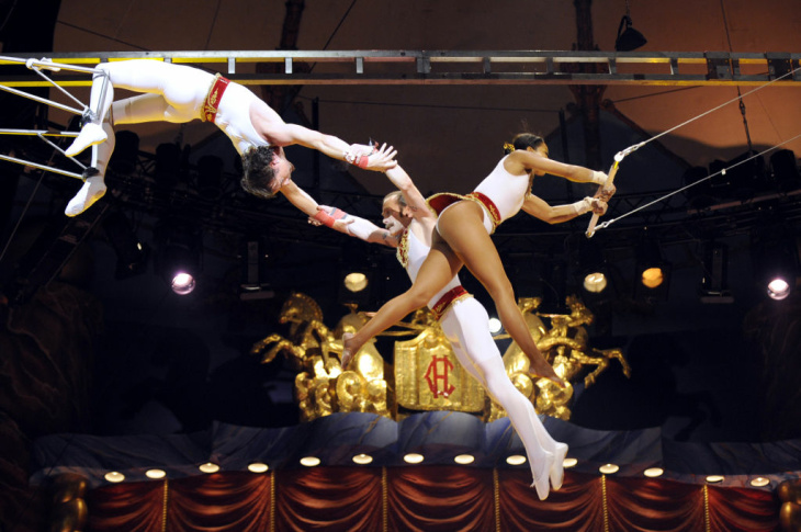 "Trapeze artists from the ""Flying Star"" p"