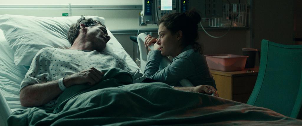 Jake Gyllenhaal and Tatiana Maslany in