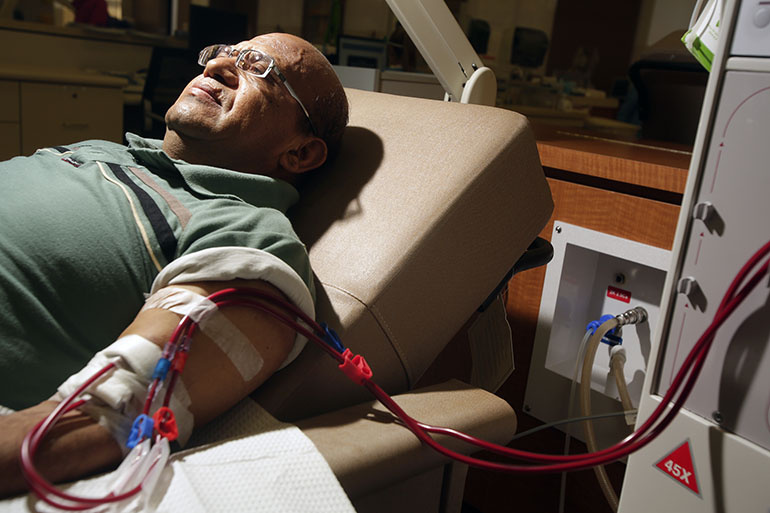 Giraldo Garcia, 54, gets dialysis at DaVita Dialysis Center in Inglewood in Aug. 2014.
