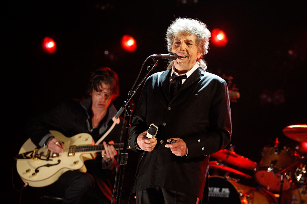 HOLLYWOOD, CA - JANUARY 12: Musician Bob Dylan onstage during the 17th Annual Critics' Choice Movie Awards held at The Hollywood Palladium on January 12, 2012 in Los Angeles, California.