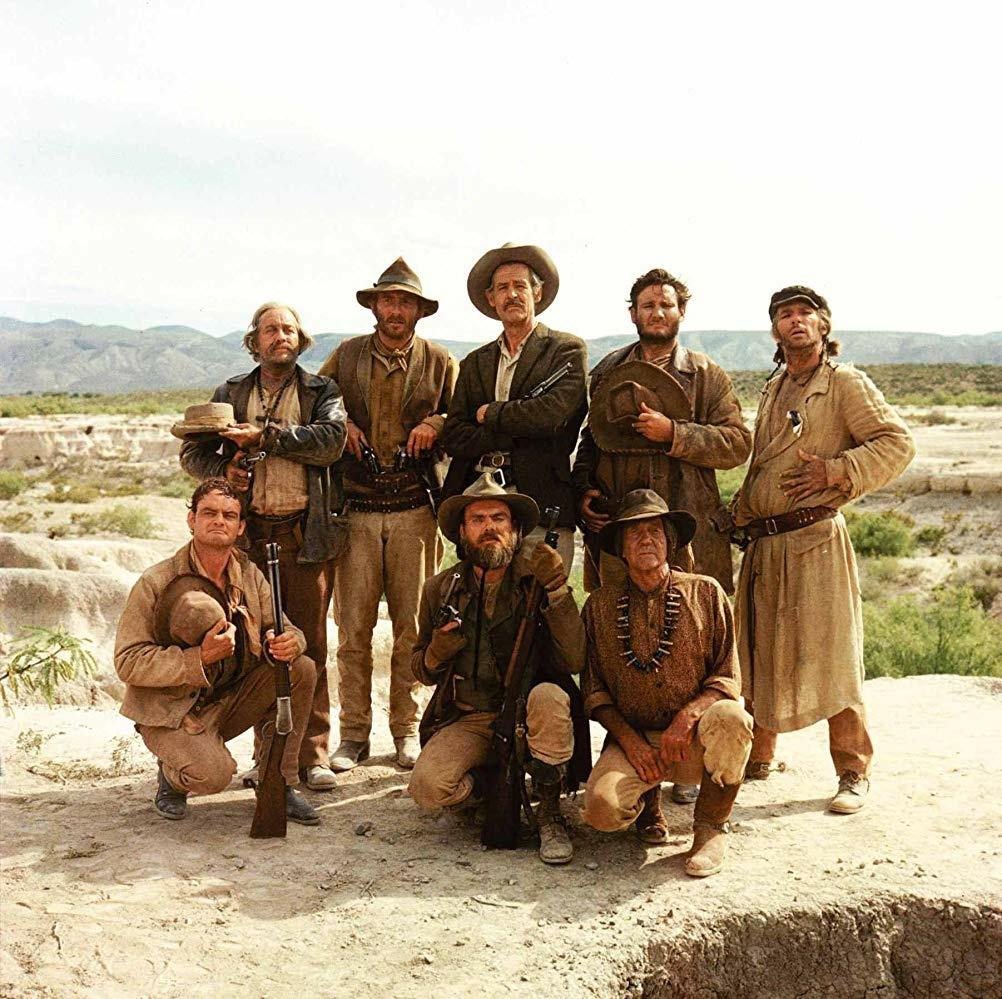 Strother Martin, Paul Harper, Bill Hart, L.Q. Jones, and Robert Ryan star in