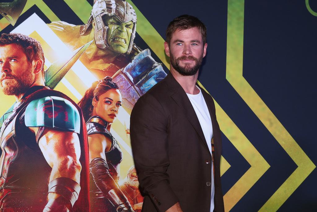 Chris Hemsworth arrives for the Thor: Ragnarok Australian Premiere at Event Cinemas Robina on October 13, 2017 in Gold Coast, Australia.