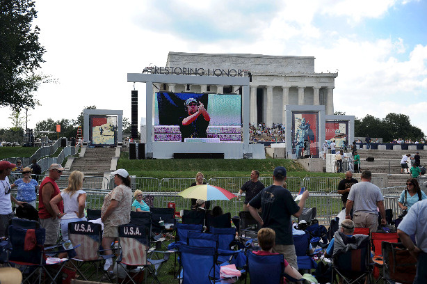 People are camped out a day before Glenn Beck's Restoring Honor rally in front of the Lincoln Memorial on August 27, 2010 on the National Mall in Washington.