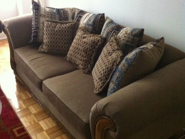 The couch Jeremy Lin may be sleeping on, snapped by a teammate.