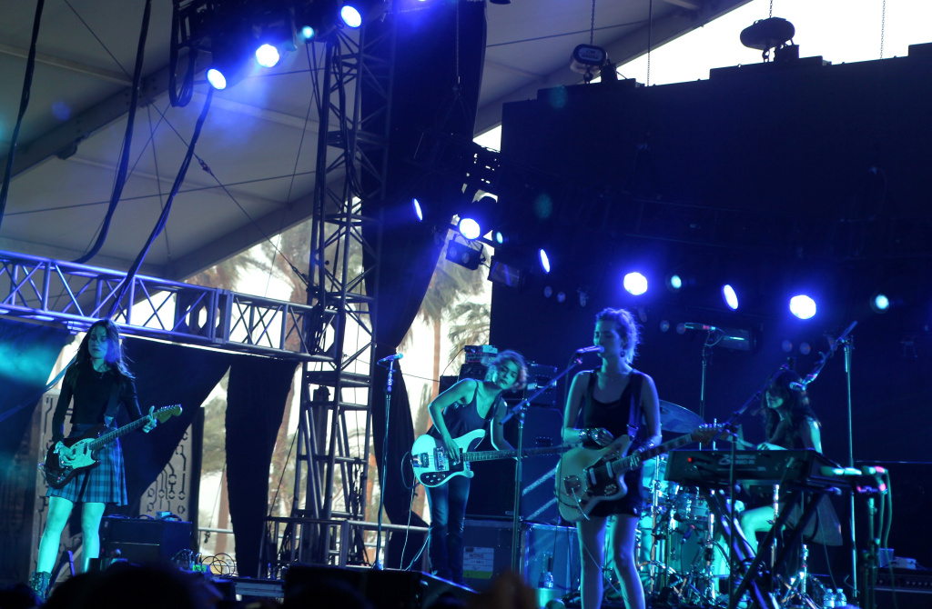 The Frame® | Video: Warpaint drummer Stella Mozgawa's rock