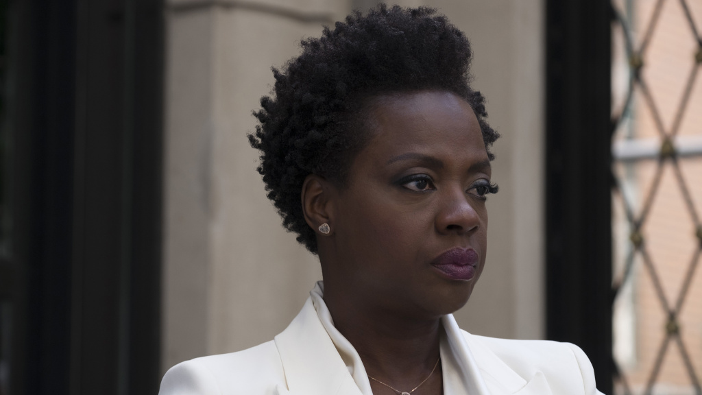 Viola Davis stars as Veronica, a woman who loses her husband and gains a heist gang in <em>Widows</em>.