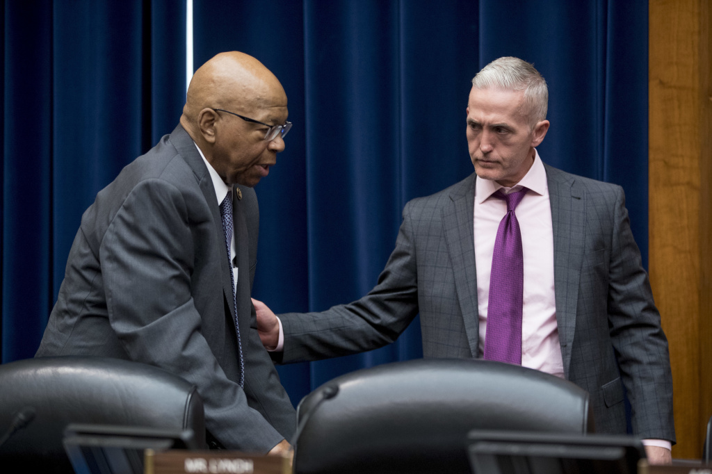 Chairman Trey Gowdy, R-S.C. (right) and Ranking Member Elijah Cummings, D-Md., before a House Oversight and Government Reform Committee hearing on Tuesday.
