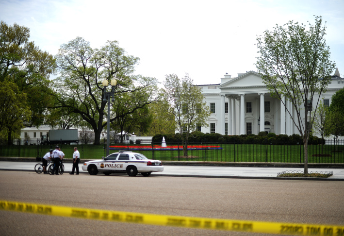 Members of US Secret Service Uniformed Division secure an area in front of White House in Washington, DC, on April 17, 2013 as a part of tightened security following the Boston marathon bomb blasts.