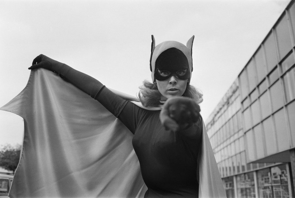 American ballet dancer and actress Yvonne Craig, best known for her role as Batgirl from the TV series 'Batman',  1967. (Photo by Len Trievnor/Express/Hulton Archive/Getty Images)