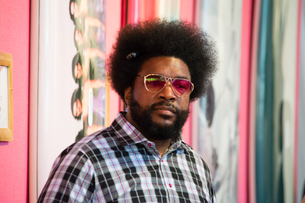 BRIDGEHAMPTON, NY - AUGUST 05: DJ Questlove attends the Sixth Annual Hamptons Paddle & Party For Pink To Benefit Breast Cancer Research Foundation on August 5, 2017 in Bridgehampton, New York.  (Photo by Steven Henry/Getty Images for Breast Cancer Research Foundation)