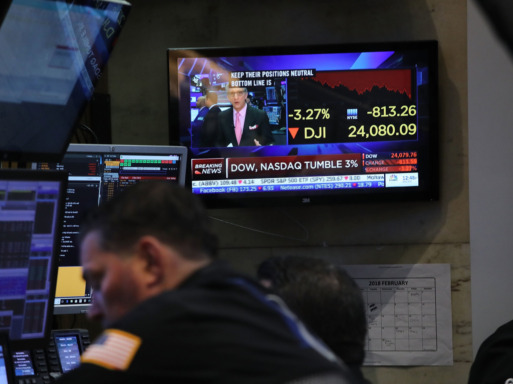 NEW YORK, NY - FEBRUARY 08: Traders work on the floor of the New York Stock Exchange (NYSE) moments before the Closing Bell on February 8, 2018 in New York City. The Dow Jones Industrial Average fell over 1,000 points twice this week.