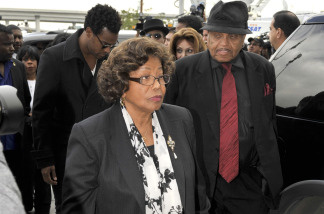 Katherine Jackson (L) and Joe Jackson (R), mother and father of Michael Jackson, arrive at the Airport Courthouse for the arraingment of Dr. Conrad Murray on February 8, 2010 in Los Angeles, California.