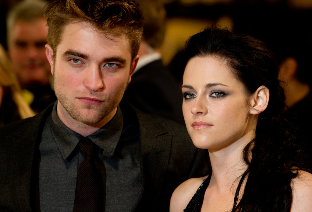 Robert Pattinson, Kristen Stewart attend the UK premiere of The Twilight Saga: Breaking Dawn Part 1 at Westfield Stratford City on November 16, 2011 in London, England.