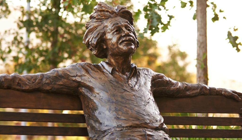 Statue of Albert Einstein at Cal Poly San Luis Obispo