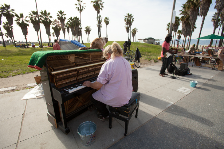 Venice Boardwalk Piano Player - 4