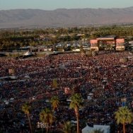 Stagecoach crowd