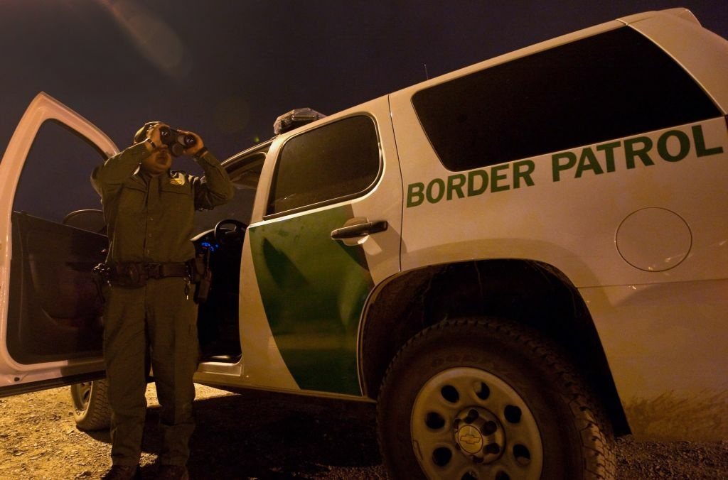 A member of the US Customs and Border Protection in El Paso, Texas, on April 6, 2011.