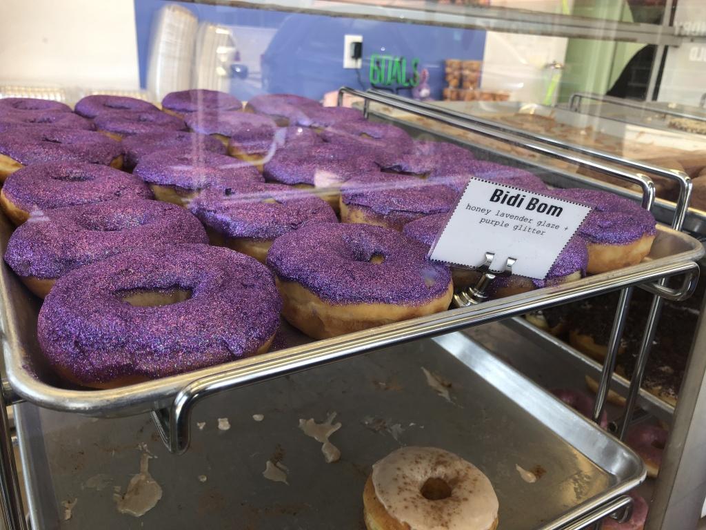The Bidi Bom donut at Donas.