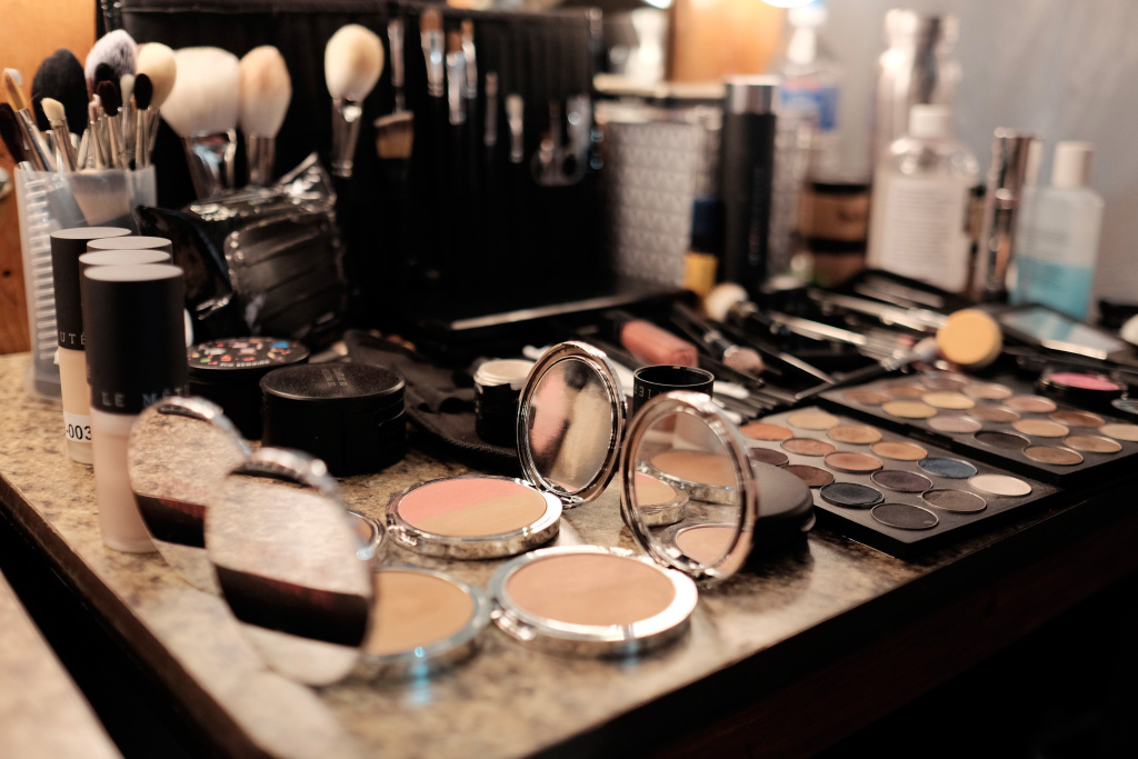 A general view of a makeup kit with Le Metier de Beaute during the alice + olivia by Stacey Bendet Runway Show at NeueHouse Los Angeles on April 13, 2016 in Hollywood, California.