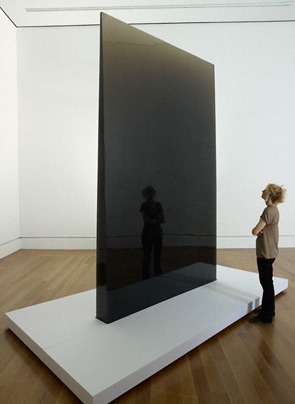 Gray Column, 1975–76, De Wain Valentine. Polyester resin. 140 x 87 1/2 x 9 1/2 in. Lent by De Wain Valentine. Artwork © De Wain Valentine