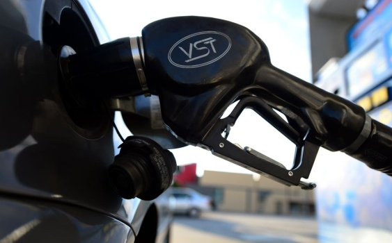 California sees record one-month rise in gasoline prices thumbnail
