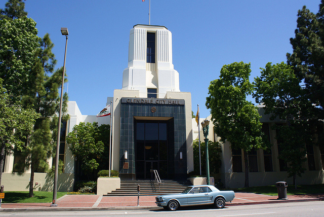 Image of Glendale City Hall.