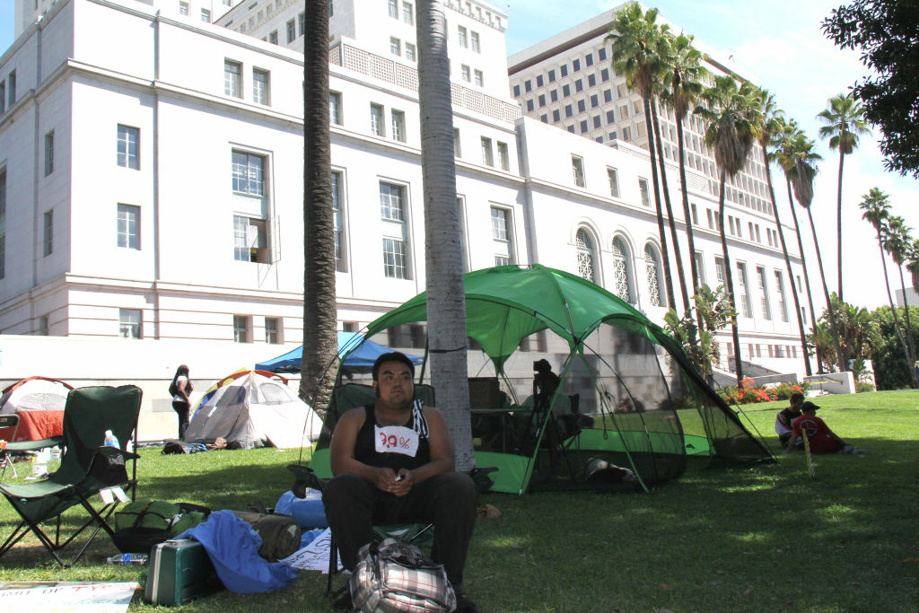 The Los Angeles City Council will consider an ordinance today to ban tents from all city parks, including the lawn of City Hall.