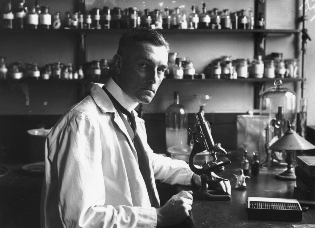 British scientist and pioneering pathologist Sir Bernard Spilsbury (1878 - 1947), at St Bartholomew's Hospital, London in 1921.